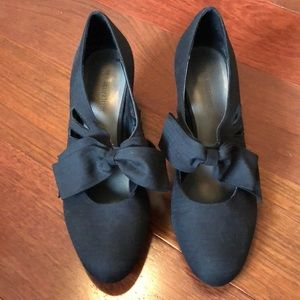 Naturalizer Bow Heels